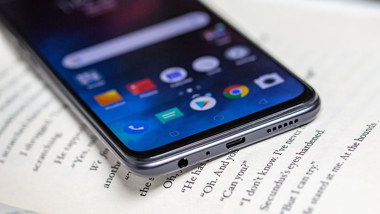 Màn hình của điện thoại Realme 3 Pro chính hãng