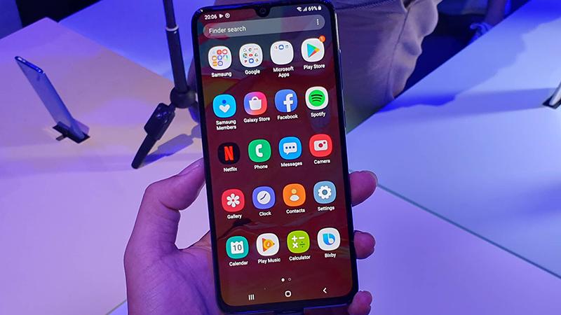 Trên tay điện thoại Samsung Galaxy A70 chính hãng