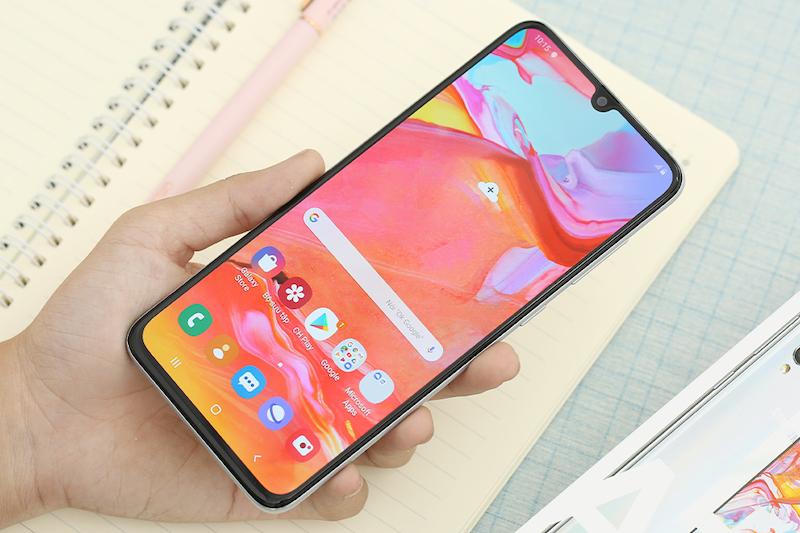 Samsung Galaxy A70 | Vân tay dưới màn hình