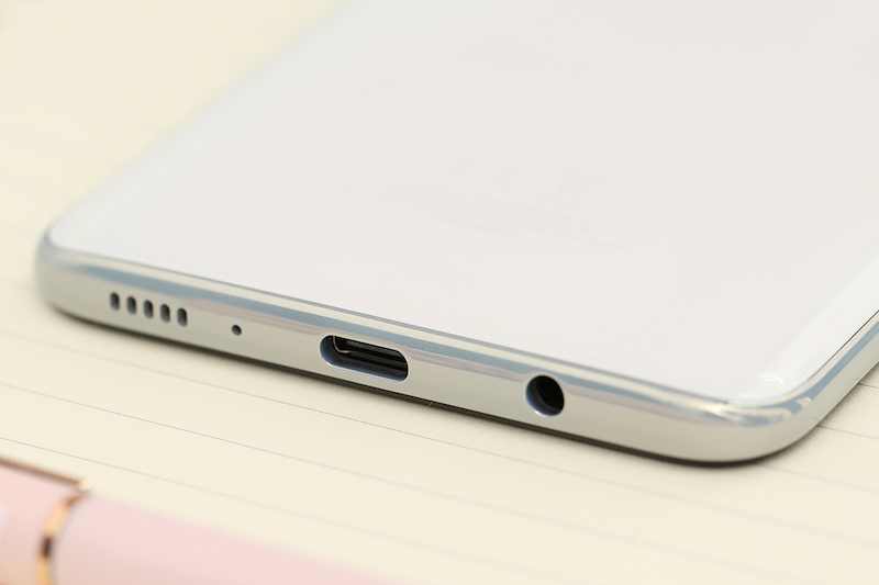 Samsung Galaxy A70 | Cổng sạc Type-C