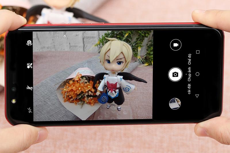 Giao diện chụp ảnh trên điện thoại Mobell S51 chính hãng