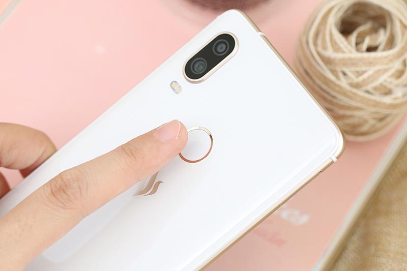 Vân tay trên điện thoại Vsmart Active 1