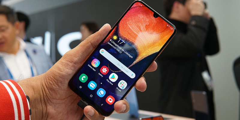 Phone - ទូរស័ព្ទ Samsung Galaxy A50 - អេក្រង់