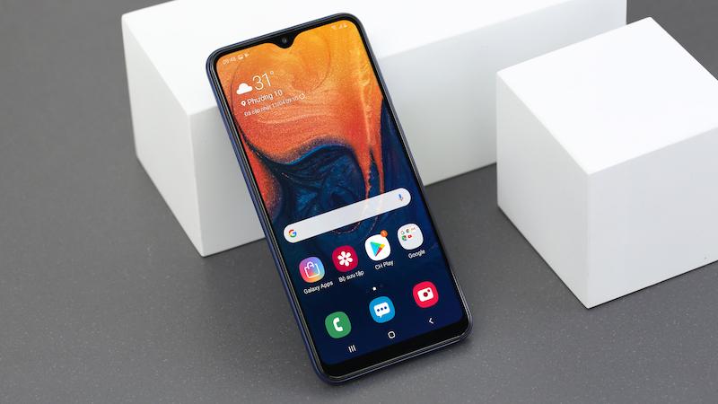 Thiết kế màn hình điện thoại Samsung Galaxy A10