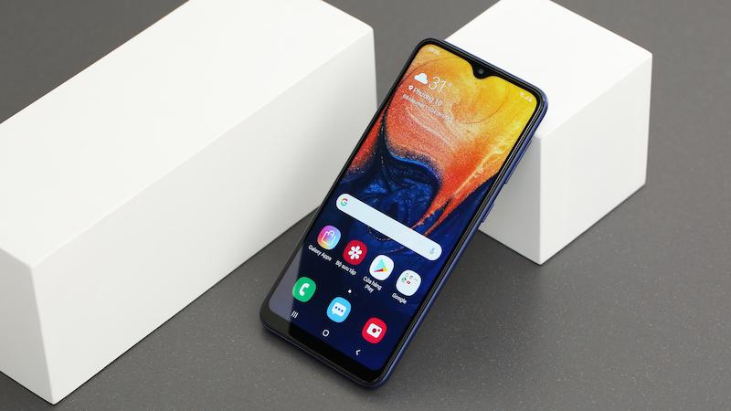 Thiết kế mặt trước - Điện thoại Samsung Galaxy A10