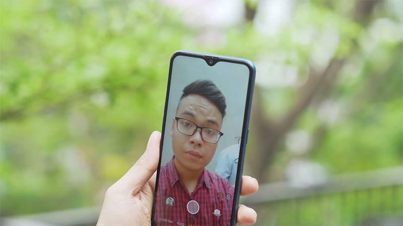Selfie trên OPPO A7 32GB chính hãng