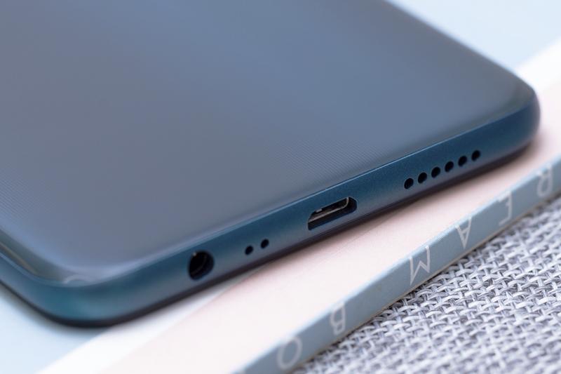 Thiết kế OPPO A7 32GB chính hãng