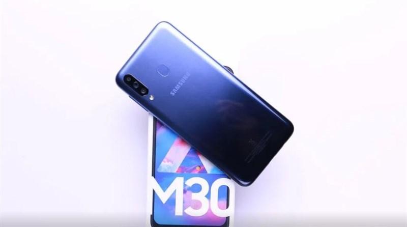 Thiết kế của điện thoại Samsung Galaxy M30 chính hãng