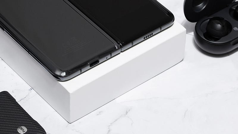Thời lượng pin của điện thoại Samsung Galaxy Fold chính hãng