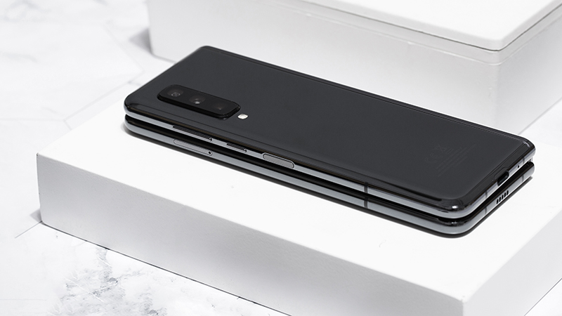 Cấu hình mạnh mẽ của điện thoại Samsung Galaxy Fold chính hãng