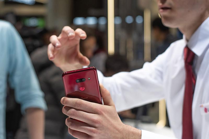 Cử chỉ điều hướng không khí của điện thoại LG G8 ThinQ chính hãng