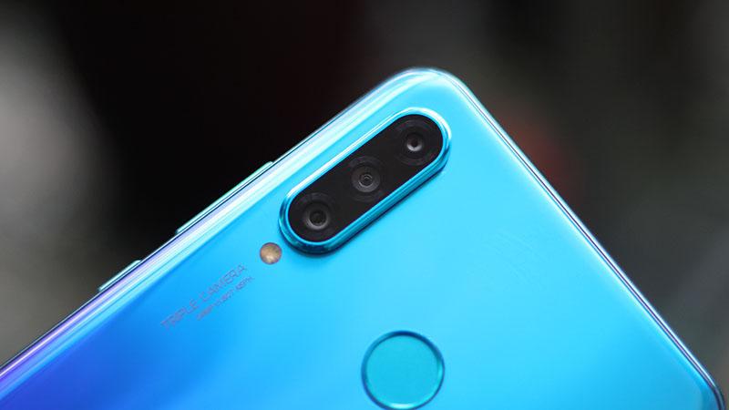 Camera sau của điện thoại Huawei P30 Lite chính hãng