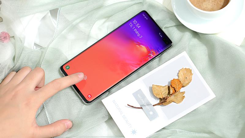 Vân tay trên điện thoại Samsung Galaxy S10+ 512GB chính hãng