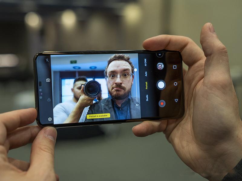 Camera sau của điện thoại LG V50 ThinQ chính hãng