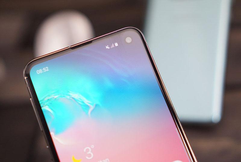 Màn hình của điện thoại Samsung Galaxy S10e chính hãng