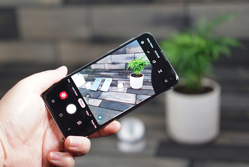 Camera sau của điện thoại Samsung Galaxy S10e chính hãng