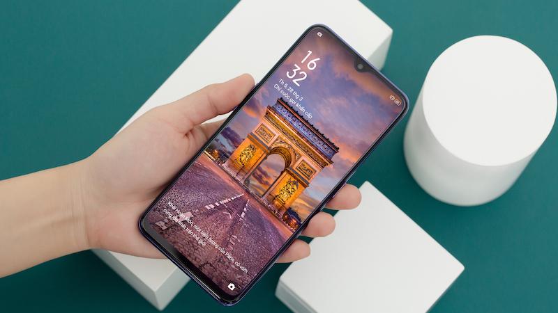 Điện thoại OPPO F11 - Thiết kế màn hình tràn viền giọt nước