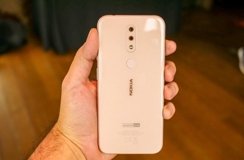 Thiết kế của điện thoại Nokia 4.2 chính hãng