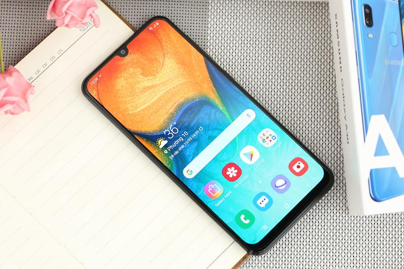 Điện thoại Samsung Galaxy A30 3GB/32GB | Màn hình