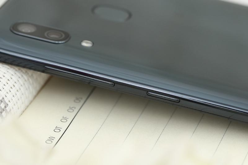 Điện thoại Samsung Galaxy A30 3GB/32GB | Camera sau