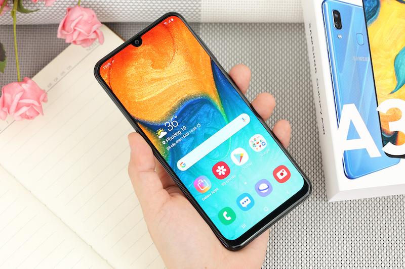 Điện thoại Samsung Galaxy A30 3GB/32GB | Thiết kế