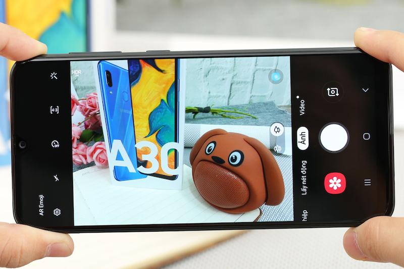 Điện thoại Samsung Galaxy A30 3GB/32GB | Giao diện chụp ảnh