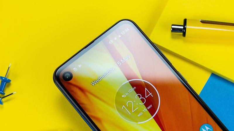 Màn hình của điện thoại Motorola One Vision chính hãng