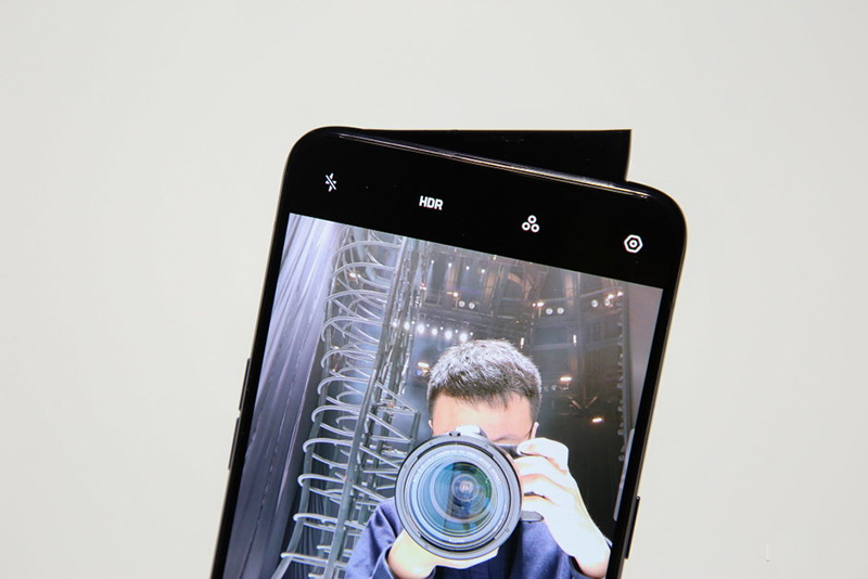 Camera trước selfie của điện thoại OPPO Reno 10x Zoom Edition chính hãng
