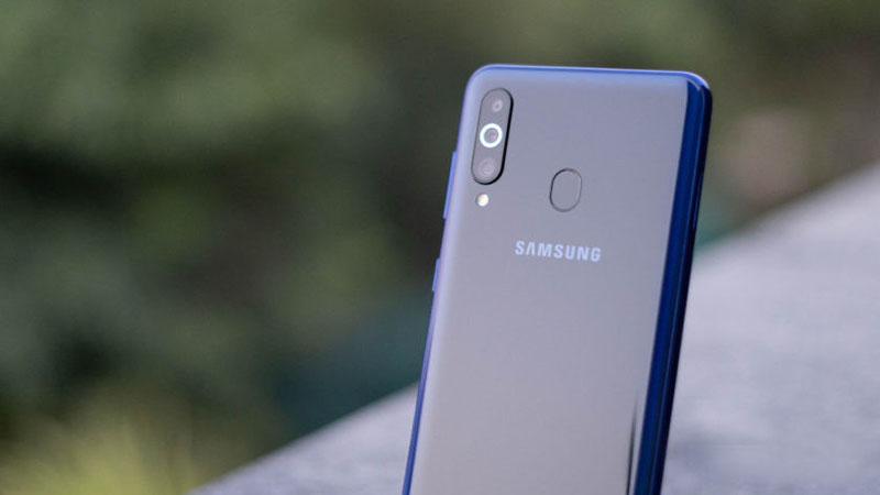 Camera sau của điện thoại Samsung Galaxy M40 chính hãng