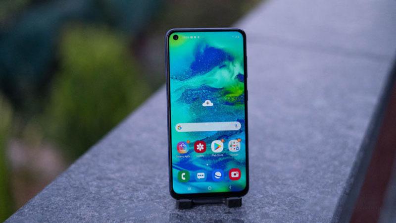 Thiết kế của điện thoại Samsung Galaxy M40 chính hãng
