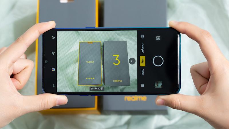 Camera trước selfie của điện thoại Realme 3 64GB chính hãng