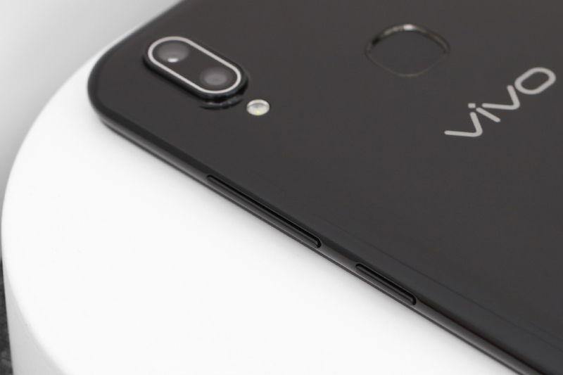 Điện thoại smartphone Vivo Y93 | Trải nghiệm bền bỉ