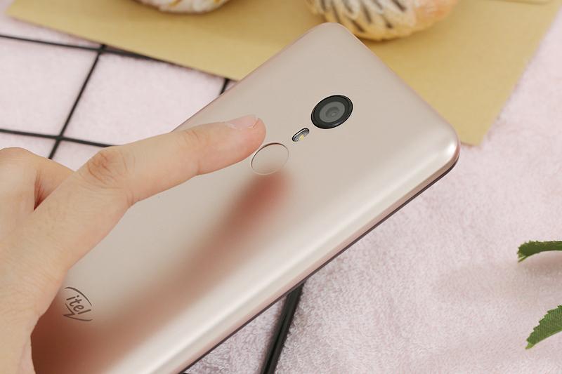 Điện thoại Itel A33 | Cảm biến vân tay