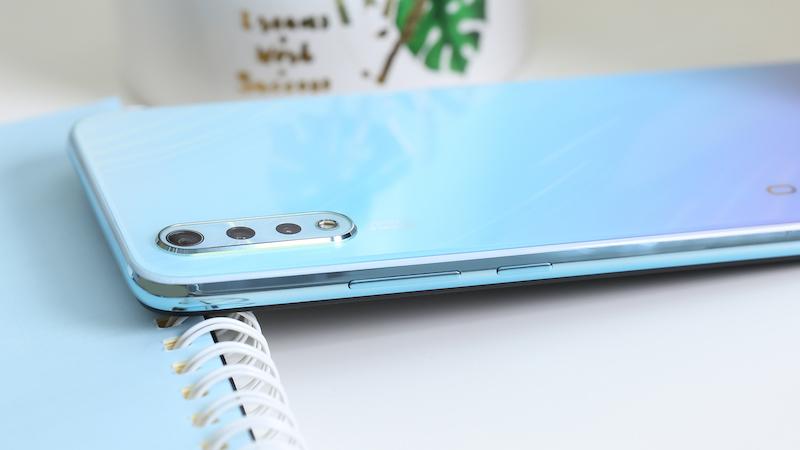 Điện thoại smartphone Vivo S1 | Cụm camera mặt lưng máy