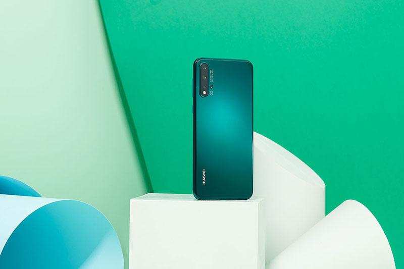 Camera sau của điện thoại Huawei Nova 5 chính hãng