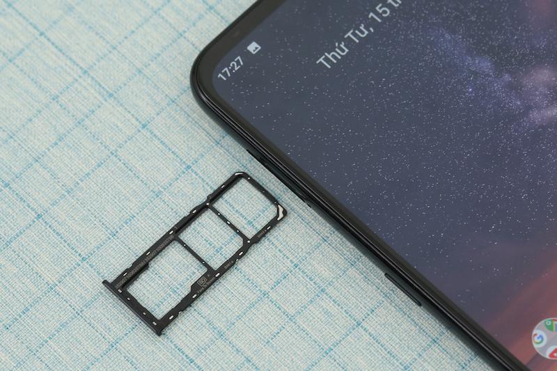 Điện thoại smartphone Nokia 3.2 16GB | Khe sim và thẻ nhớ