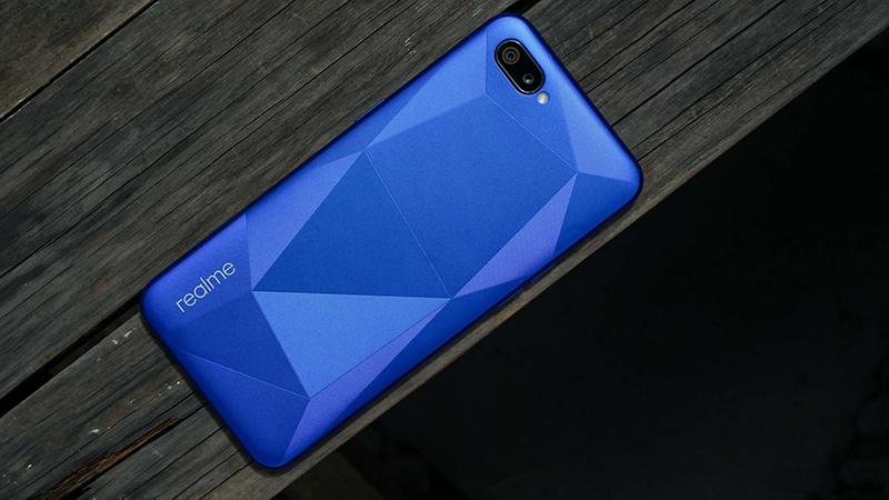 Thiết kế của điện thoại Realme C2 16GB chính hãng