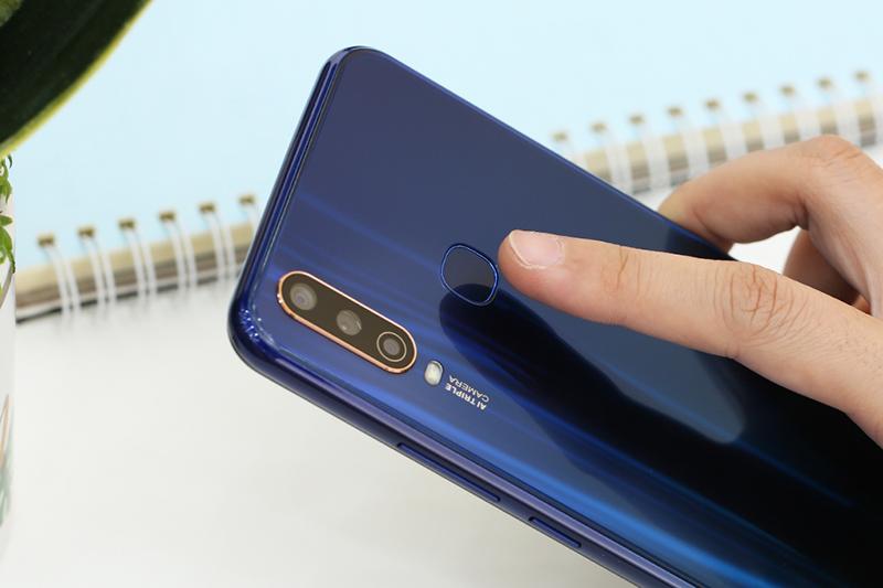 Cảm biến vân tay của điện thoại Vivo Y12 chính hãng