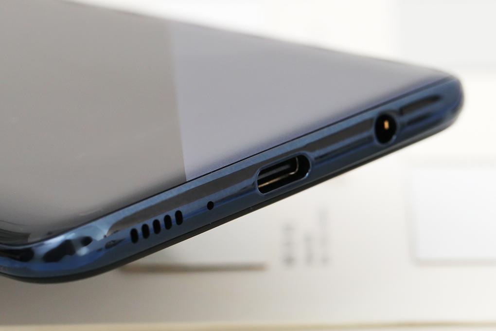 Điện thoại Samsung A30s | Cổng sạc USB Type C có hỗ trợ sạc nhanh