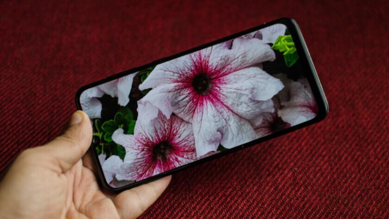 Điện thoại Samsung Galaxy A30s | Màn hình