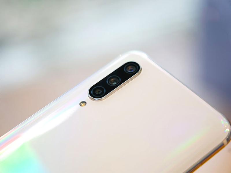 Điện thoại Xiaomi Mi CC9e | Camera sau