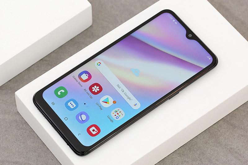 Điện thoại Samsung Galaxy A10s | Thiết kế màn hình giọt nước
