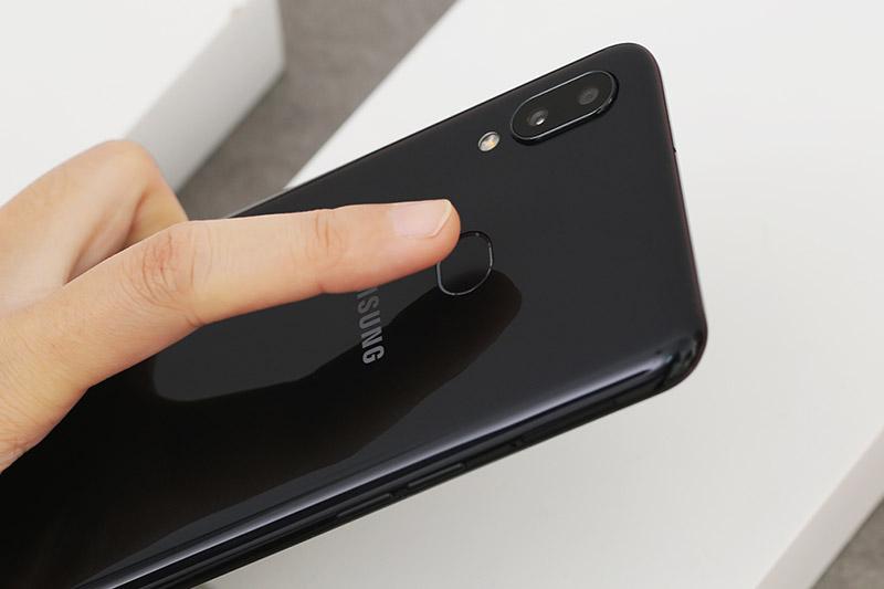 Điện thoại Samsung Galaxy A10s | Cảm biến vân tay ở mặt lưng