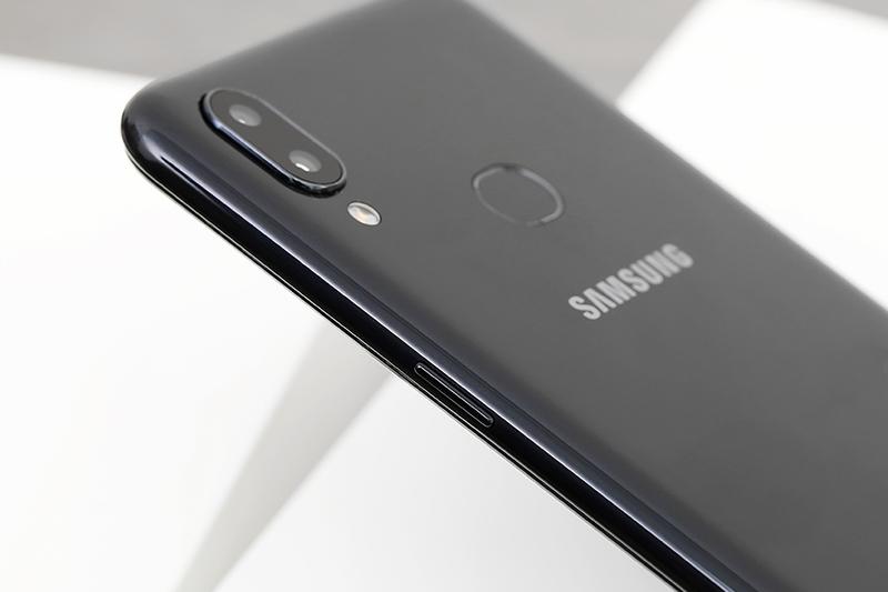 Điện thoại Samsung Galaxy A10s | Camera kép ở mặt sau