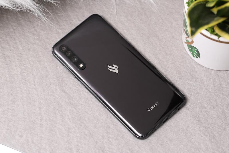 Điện thoại smartphone Vsmart Live | 3 camera ở mặt sau