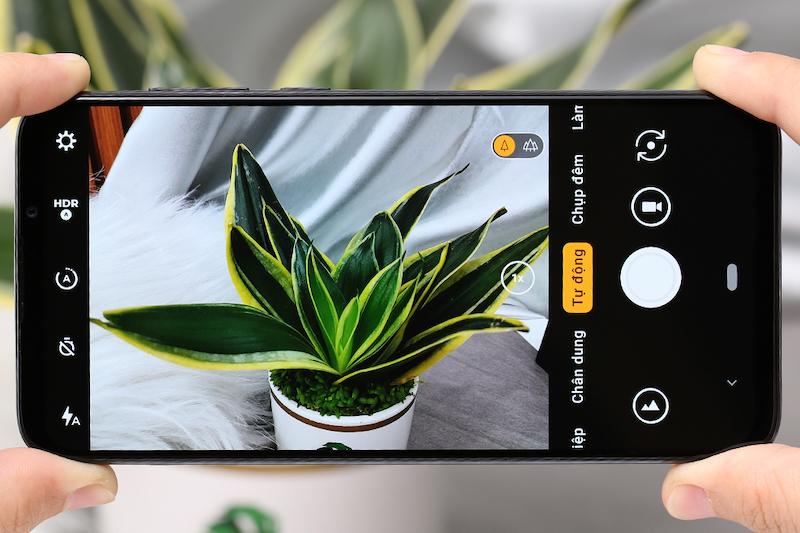 Điện thoại smartphone Vsmart Live | Giao diện camera