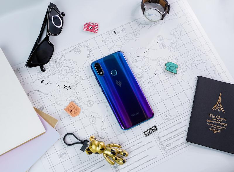 Điện thoại smartphone Vsmart Joy 2+ | Mặt lưng chuyển màu