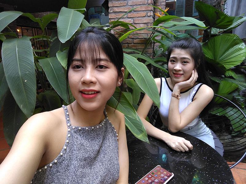 Điện thoại smartphone Vsmart Joy 2+ | Ảnh selfie bằng camera trước