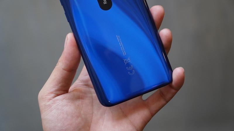 Điện thoại Xiaomi Redmi 8 32GB | Thiết kế