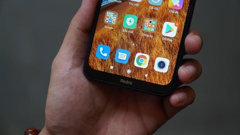 Điện thoại Xiaomi Redmi 8 32GB | Màn hình